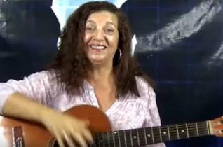 Cantora Nilza Mendes: Homenagens as formandas da FASER curso Cosmética e Estética