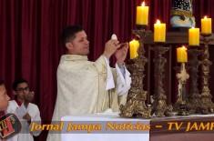 Paróquia Nossa Senhora da Conceição Aparecida celebra ressurreição de Cristo. Padre Valdézio Nasciment