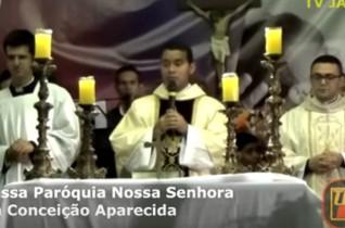 Celebrante: Padre Marcelo Monte – Santa Missa Aparecida Valentina – Parte 01
